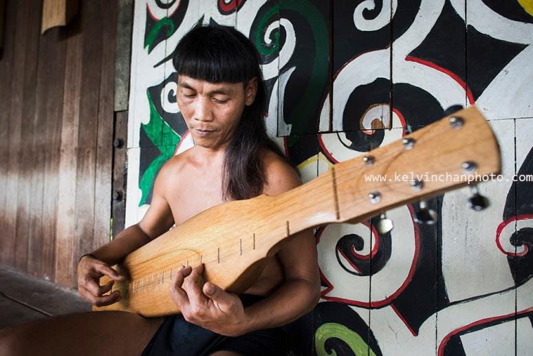 Sarawak sape player
