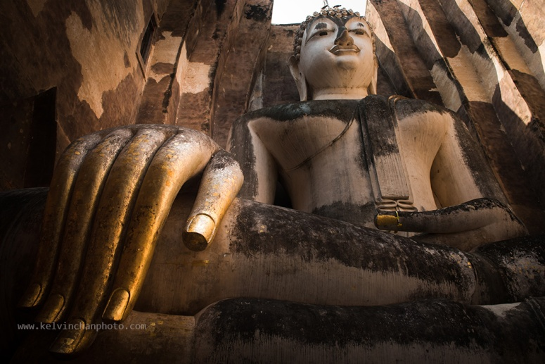 Buddha inside sukothai park