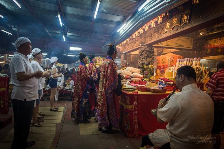 prayers at nine emperor god temple