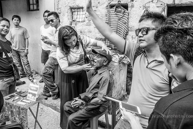 street dentist at Kuala Lumpur chinatown