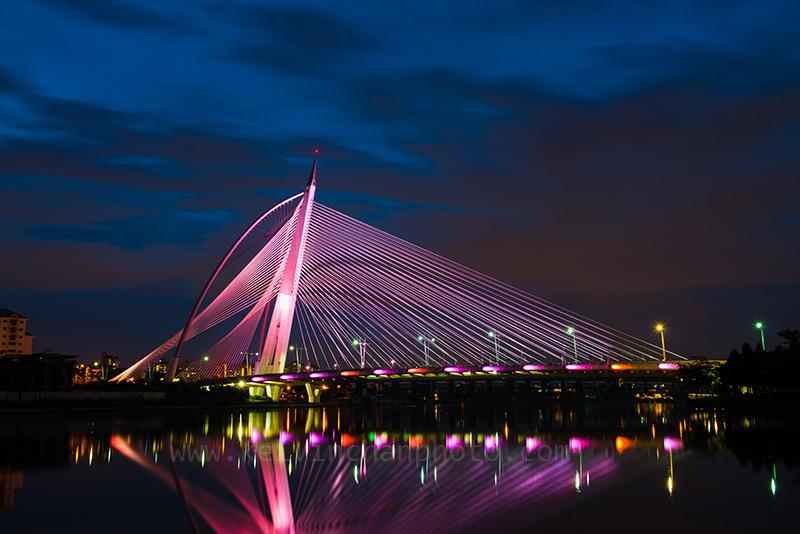 Putrajaya Wawasan Bridge at Night