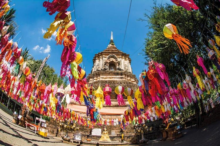 Wat Lokmolee during loy krathong in Chiang Mai