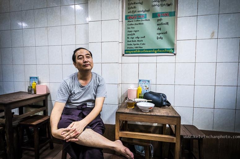 Having breakfast at Yangon chinatown