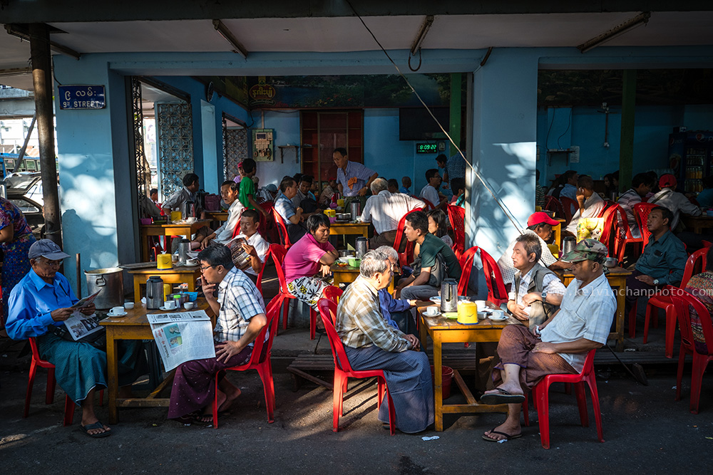 Breakfast at Yangon tea house